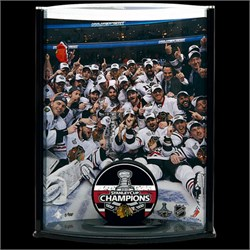 2009/2010 Chicago Blackhawks Victory Photo and Puck 77473